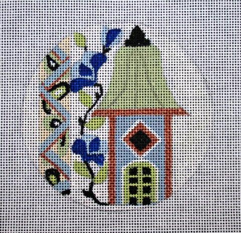 "Tiny French birdhouse 4"" , 18 mesh"